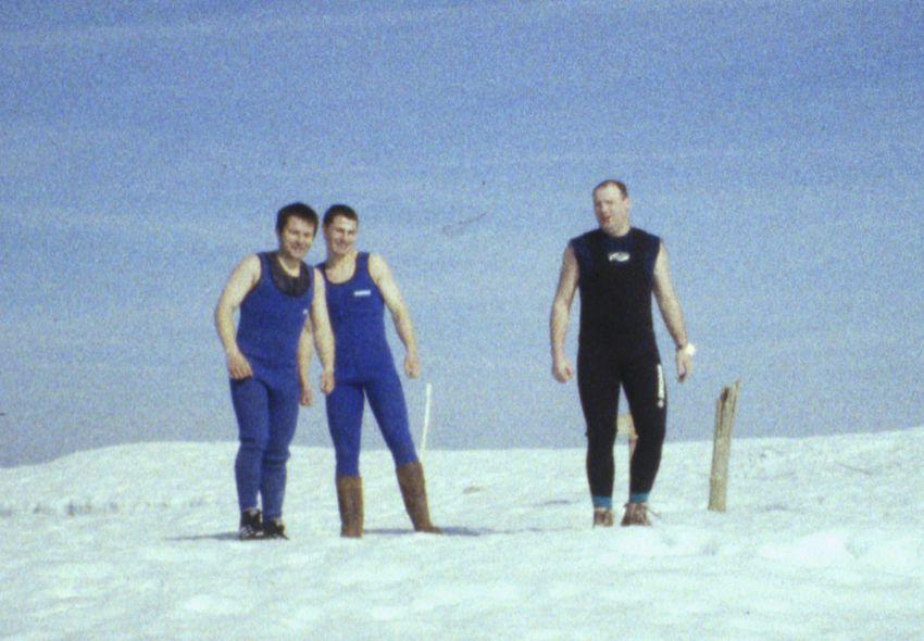 1996-04-06_03